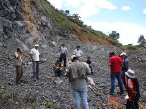geologos en el campo